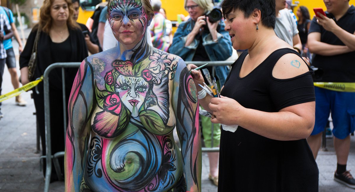 Nsfw Photos 100 Totally Naked People Got Painted In Midtown Nyc - Gothamist-2756