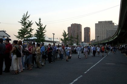 People trying to board NY Waterways ferries (Shutterstock)