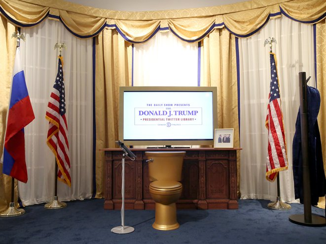 The Daily Show Honors The King Of Twitter At Donald J Trump Presidential Twitter Library Gothamist