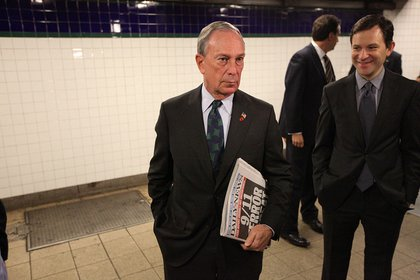 Mayor Bloomberg inspires confidence by riding the subway yesterday