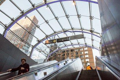 Glass pavilion over 96th Street station. (Gretchen Robinette/Gothamist)