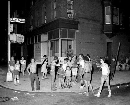 Greenpoint Ave., corner of Franklin St., in Brooklyn (Bolivar Arellano)