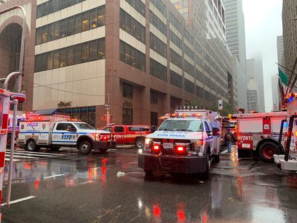 "The emergency response outside 787 7th Avenue (David ""Dee"" Delgado /  Gothamist)"