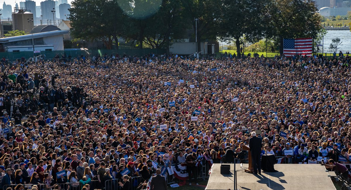 Photos: 26,000 Spend Saturday With Bernie Sanders And AOC In Queens