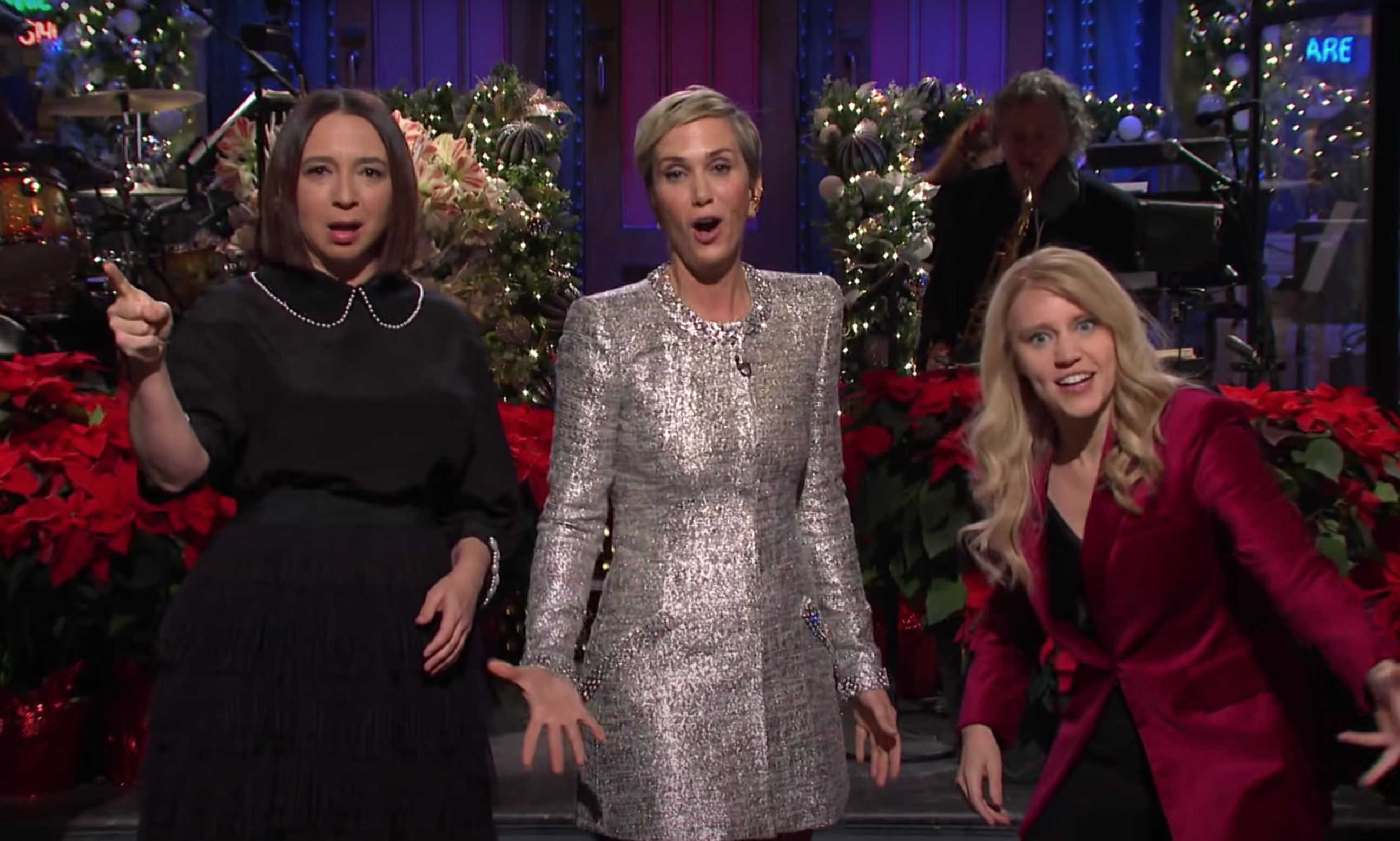 Snl Recap Host Kristen Wiig Closes Out 2020 With A Very Jolly Christmas Episode Gothamist