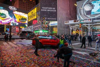 People frolic in confetti