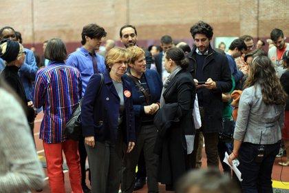 Christine Marinoni, center, who is a big BDB supporter (and Cynthia Nixon's wife)