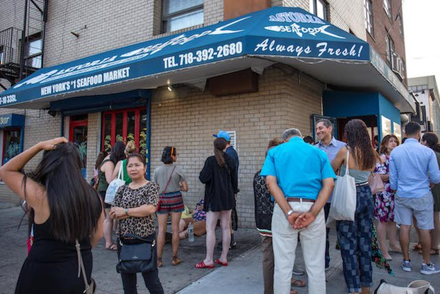 Astoria Seafood Is The Perfect New York Restaurant Gothamist