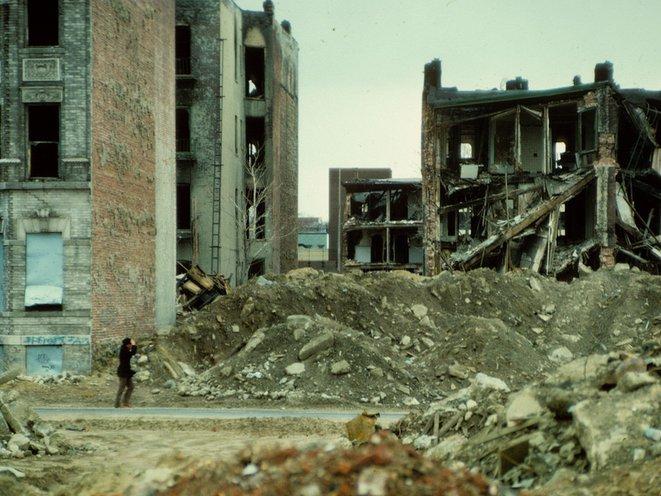 "Knickerbocker Avenue, circa 1980. (Photo by <a href=""https://www.flickr.com/photos/stevensiegel/5574265148/"">Steven Siegel</a>)"