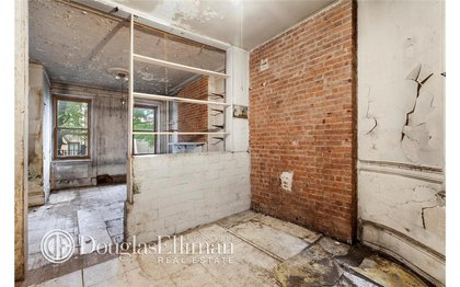 Look at that exposed brick!<br/>
