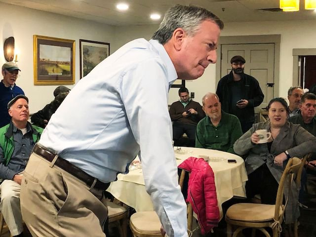 Mayor Bill de Blasio speaks to a small crowd in New Hampshire, for no special reason at all, just a random stop on his progressive policy tour, why do you ask?