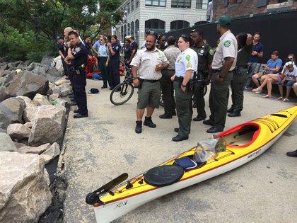 The kayak on ground (Jen Chung / Gothamist)