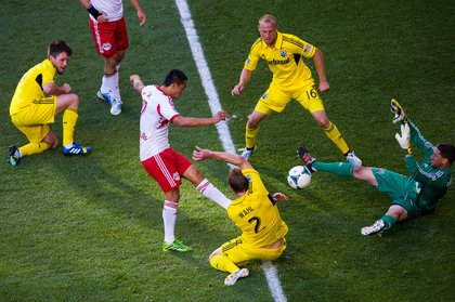 Tim Cahill can't get a shot past the Columbus defense