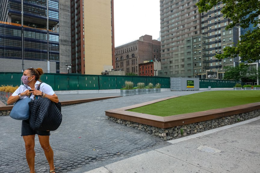 Picnic areas at Willoughby Square pop up half a block away