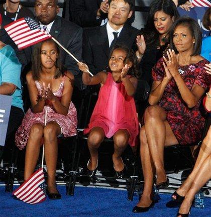 Malia, Sasha and Michelle Obama