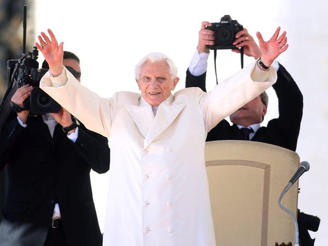 DOPE POPE COAT<br/>