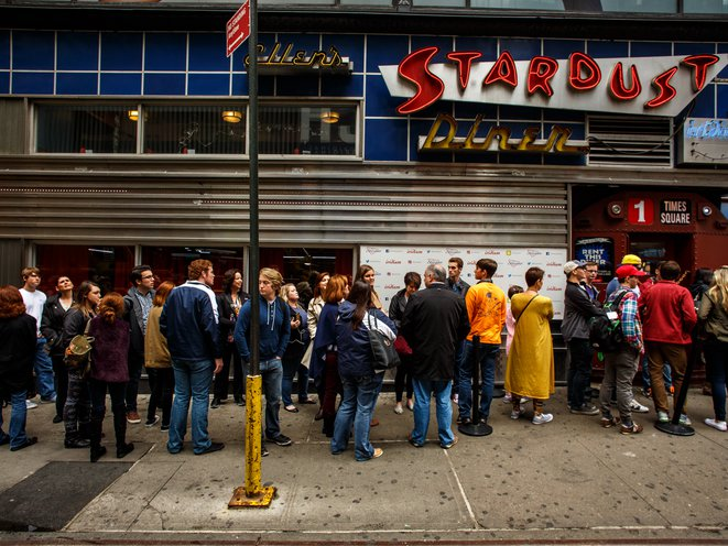 Inside Ellen's Stardust Diner, Home To Long Lines & Loud