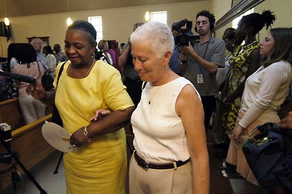 Chaney's sister and Schwerner's widow at the 2005 trial of Edgar Ray Killen<br/>