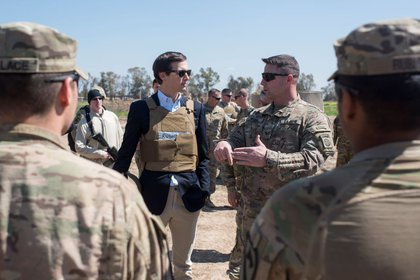 Kushner meets with service members at a forward operating base near Qayyarah West in Iraq, April 4, 2017 (via Department of Defense)<br>