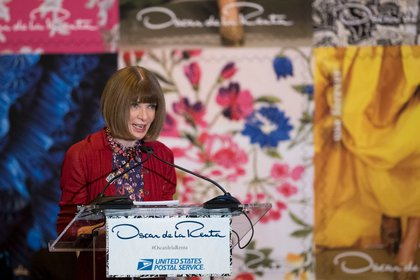 "Wintour said she <a href=""http://www.vogue.com/article/oscar-de-la-renta-stamps-for-sale-usps-forever"">wasn't sure if de la Renta ever sent a letter</a><br>"