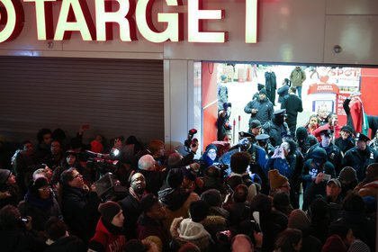 Although they did not enter Target, the protestors rallied directly outside briefly before moving on.<br>