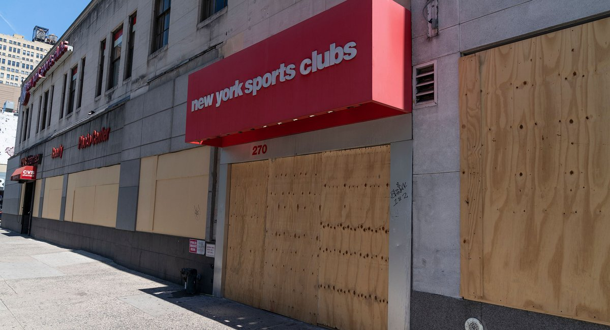 New York Sports Club Members Hit With Unexpected Charges As Company Fi... image