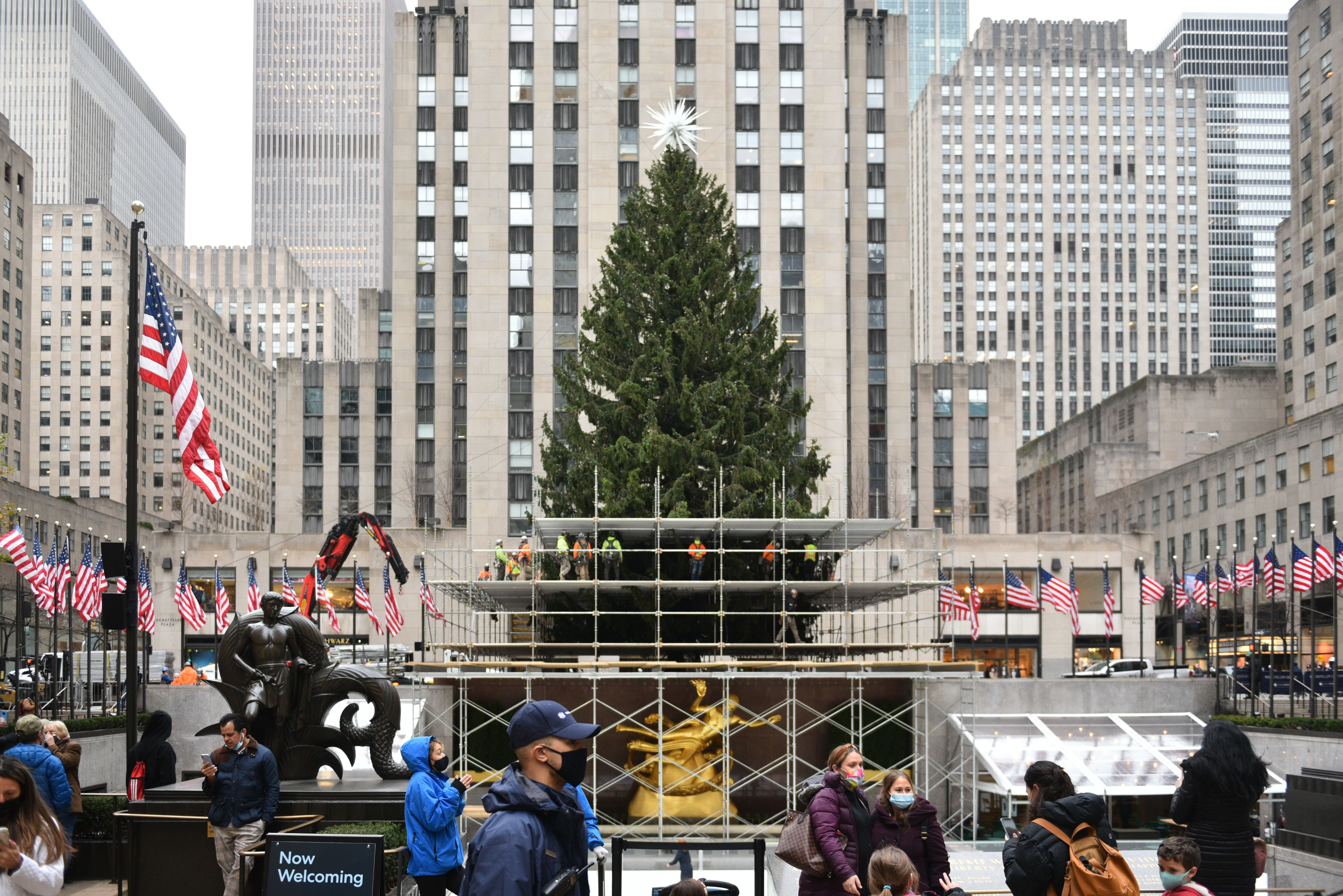 Watch 2021 New York Christmas Tree Lighting 2021 Here Are The Pandemic Rules For Seeing The 2020 Rockefeller Christmas Tree Gothamist