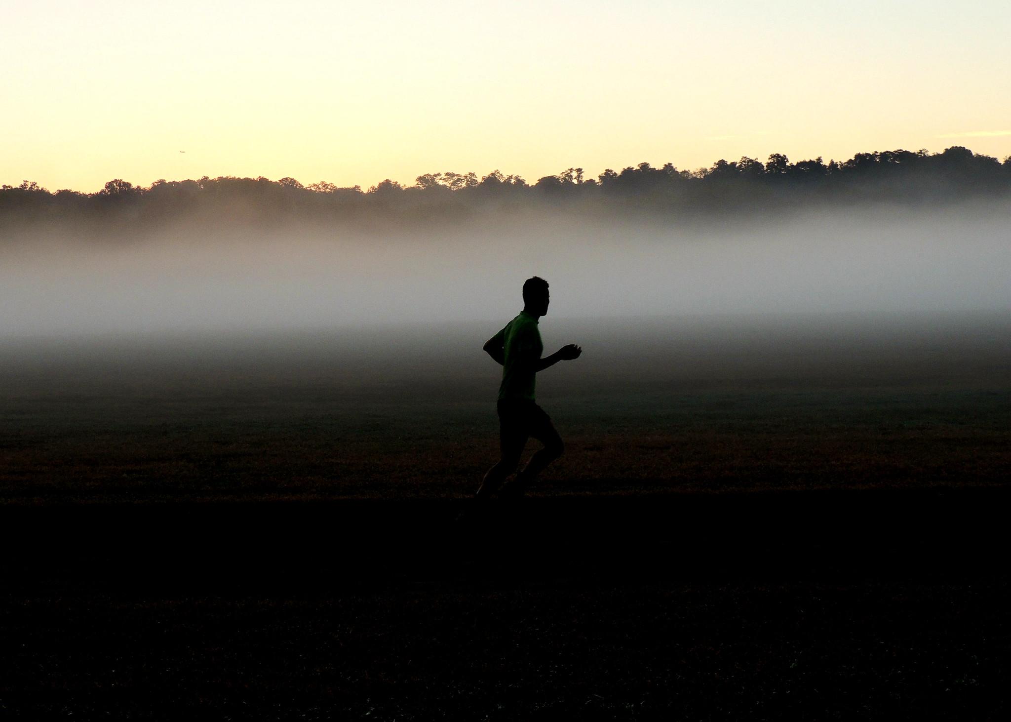 عکسی از دونده در پارک کراس کانتری ون کورتلند