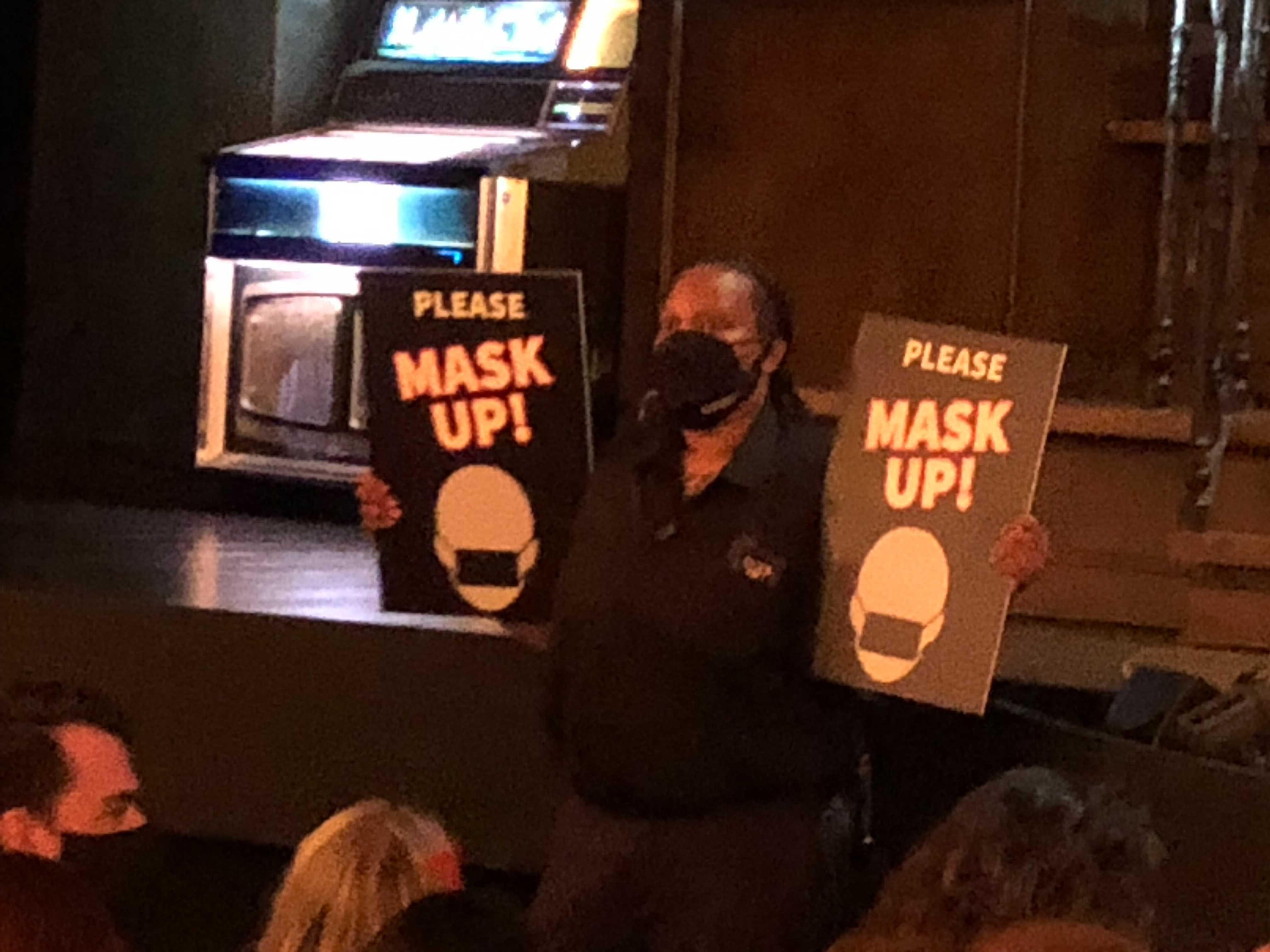 Masks Up sign