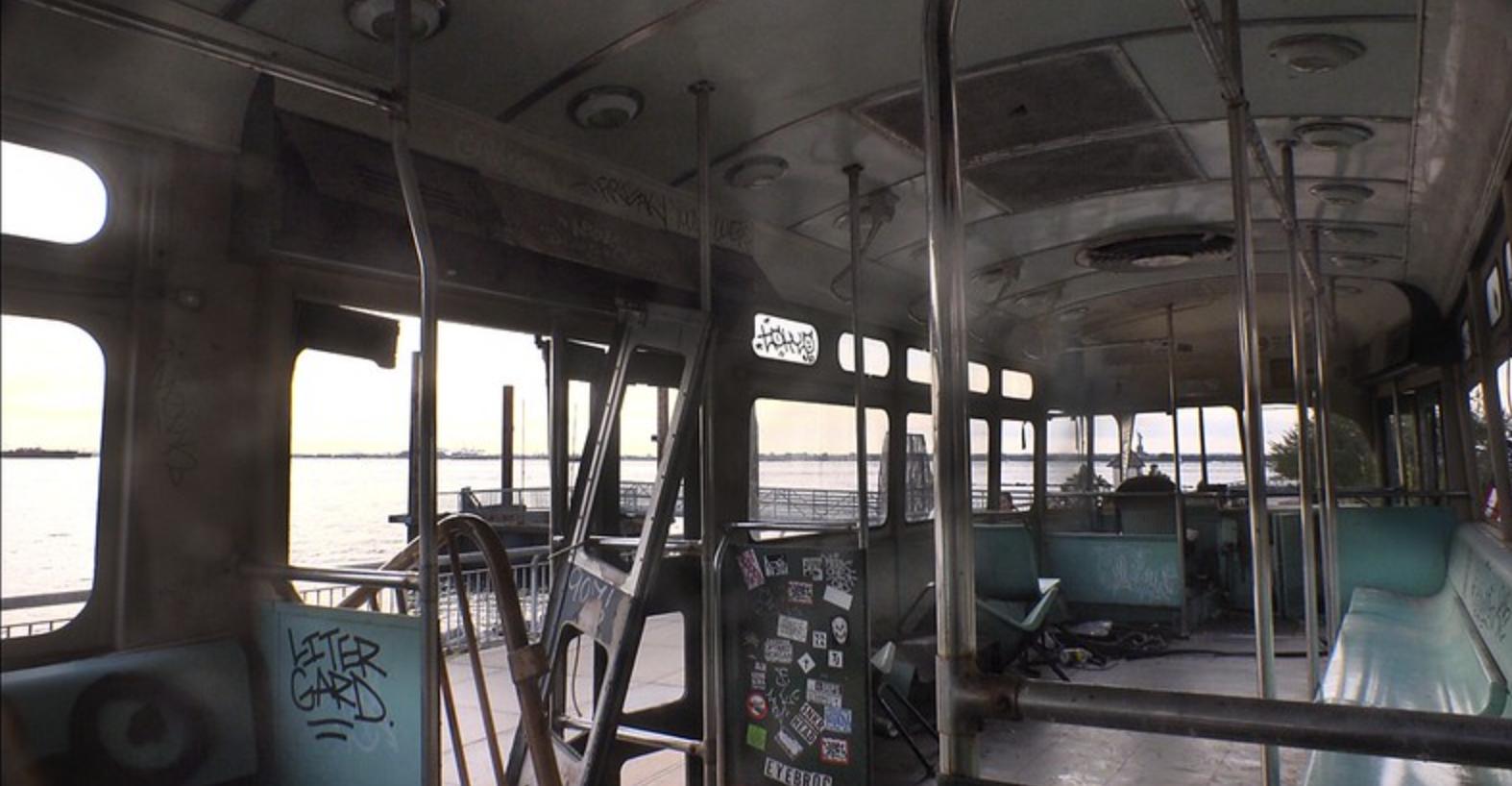 فضای داخلی یک ماشین واگن برقی در رد هوک ، بروکلین