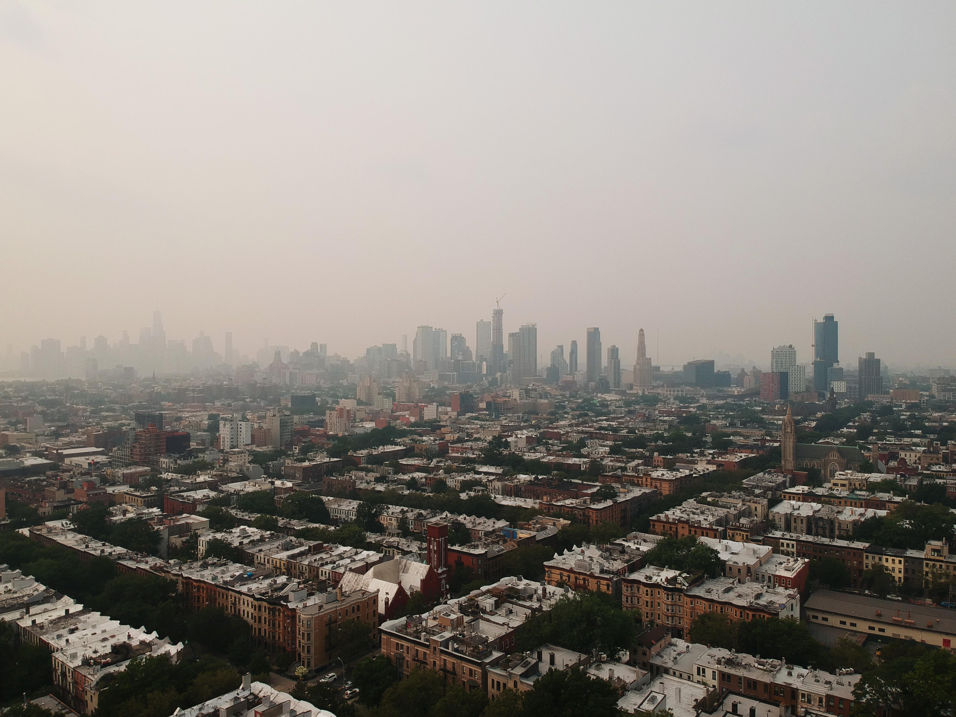 gross air hangs over New York City