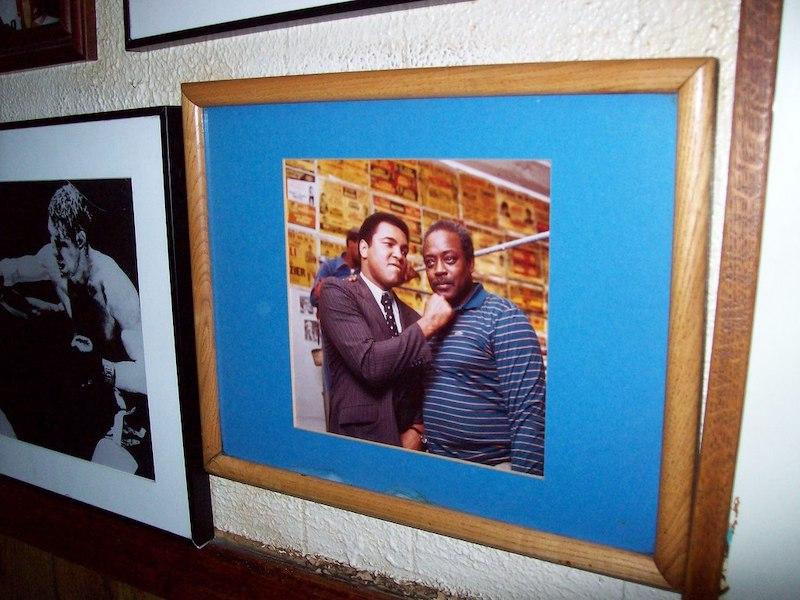 عکس محمد علی و دوستش جیمی گلن ، آنها صاحب سایت گوشه جیمی در شهر بزرگ هستند.