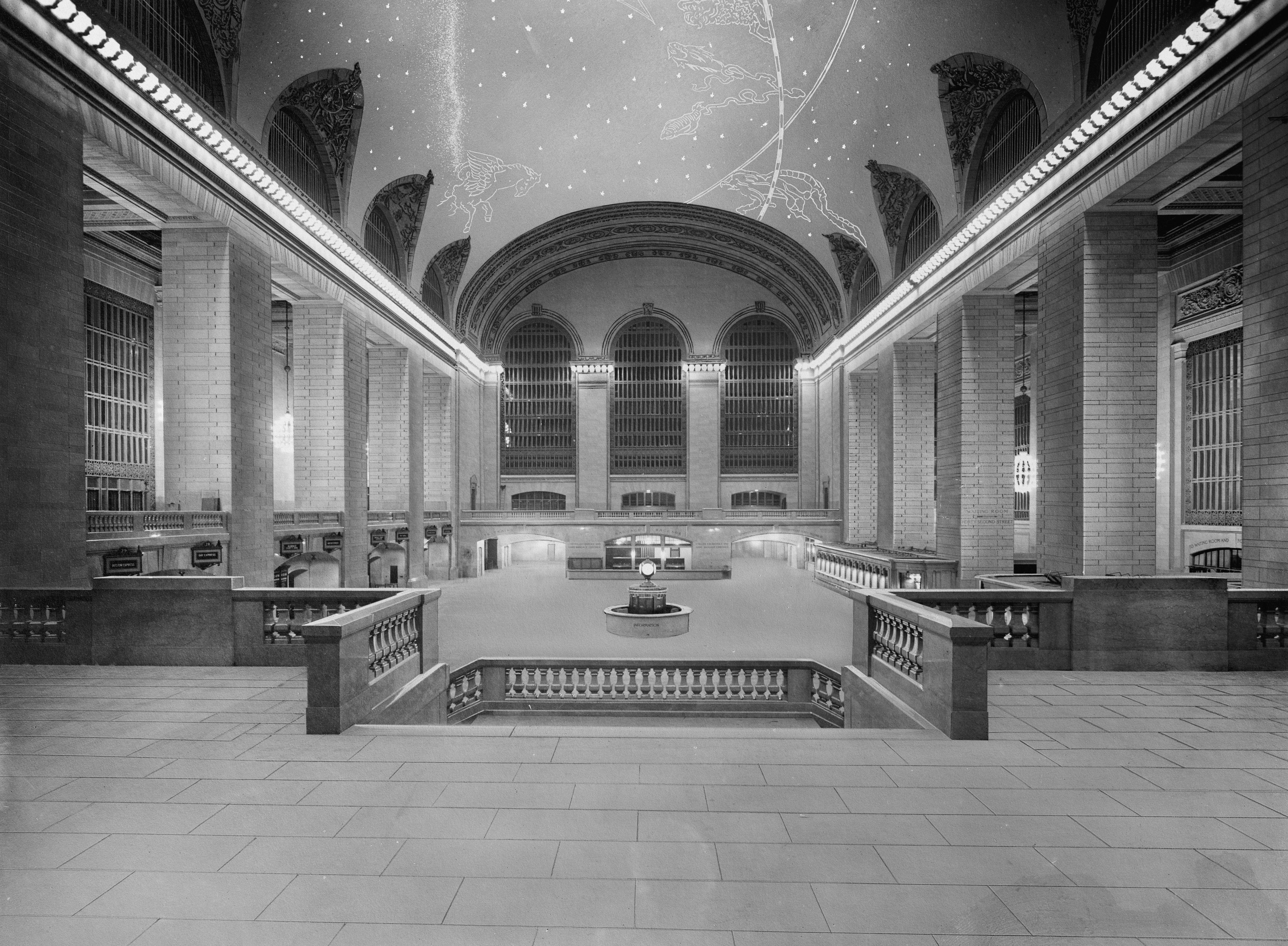 Main hall, 1913.